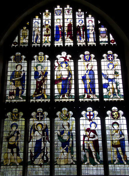 Ninian Comper's East Window, commemorating the nations who helped defeat Germany in World War I.