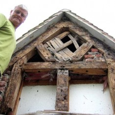 Gable stripped with Ian Norval (builder)