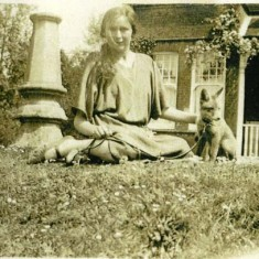 Lucy Noyce with pet fox at Colchenna