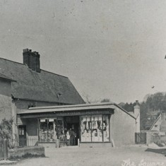 The Square, with Rose Cottage (since demolished) on the left.