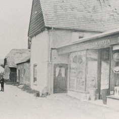 An early photograph of Workhouse Lane and Warren's shop