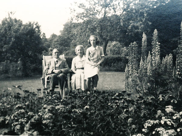 Woodfields Family in garden