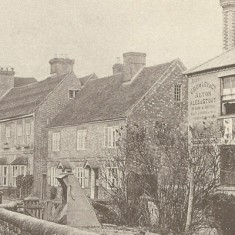 Looking west up High Street, New Inn, Brooklyn and Glenthorne, Note Crowley & Co, who bought the New Inn in 1879.