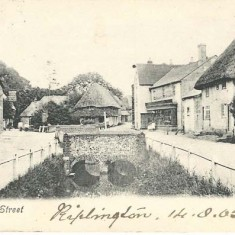 Post card of  High Street, 14-09-1905. Hockley Cottages, Parsons Stores &c