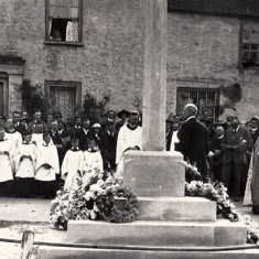 Dedication service of the War Memorial, in 1923