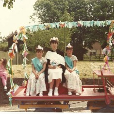 Country Fair procession, early Country Fair, kids on float