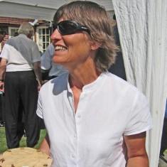 Rachel Mackinlay, hostess