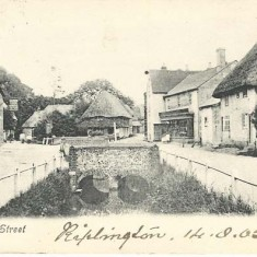 Post card of High Street, including Hockley Cottages, Parsons Store &c. Post-marked 14.09.1905