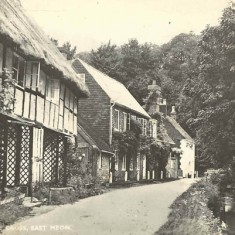 Post card of The Cross. The three cottages on the left belonged to the Kille family in the 1930s.