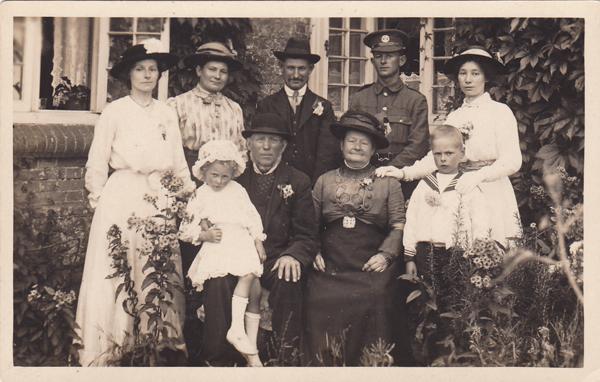 Bone Family 1915