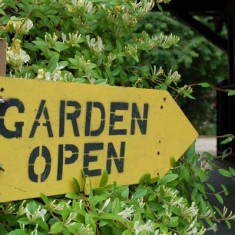 Garden Open sign
