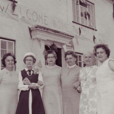Reunion, in 1971. L to R, Nellie Goddard, May Barratt, Dolly Wilson, Millie Atteberry, Lily Nicholson, Rose Mauback.