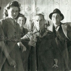Group with glasses and cigarettes