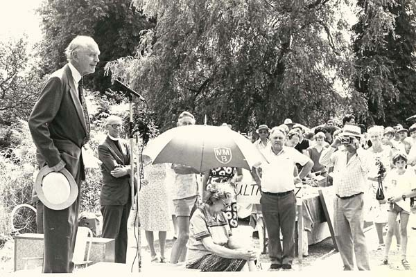 Sir Alec Dougblas Home opening Church Fete, c.1982, with Rev Rodney Smith.