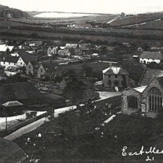 View from Park Hill, 1900s, used as postcatd to Mrs Bray. The long white roof beyond the George Inn is the rifle range built at some point in WWI.