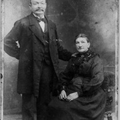 William & Sophia Harriet Budd, Owen's parents.