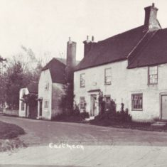 Closest, right, Middle Barnards, then with two doorways. Then, Middle Barnards, where District Nurse Micklam lived at start of 20th century. Beyond , Bell Cottages. Post crd early 20th century.