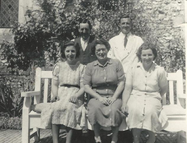 Fred Crockford (white coat), Marlene Kille, Jessie Crockford, Marion Lambert