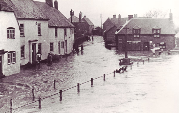 Flooding was common in the High Street in the 1950s.
