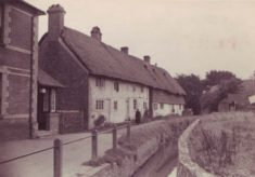 Hockley Cottage and a narrow stream