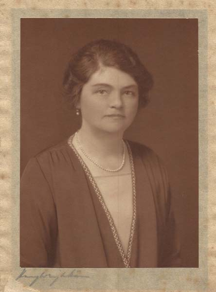Margaret Nicholson, wife of Reginald, took over his position as Trustee of the Institute in 1950 and played a prominent part in village affairs.