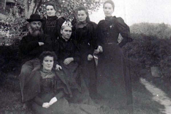 Schoolhouse workers