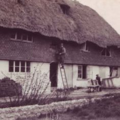 Brook Cottages being thatched, probably in the 1930s thanks to Morley Horder