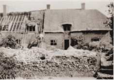 Thatching the Paupers Cottages