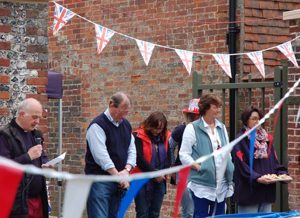 Golden Jubliee celebrations June 2002. L to R, Rev Terry Louden, David Parkinson, Philippa Tyrwhitt-Drake and Vicky Parkinson. | Michael Blakstad