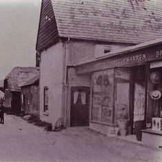 Arthur Warren ran a haberdashery shep and general store from the Tudor House between the World Wars.