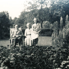 Woodfield family in garden