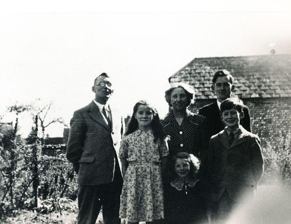 Woodfields Ralph, Margaret, Olivia, Owen