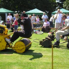 Roller v Mower race 2005