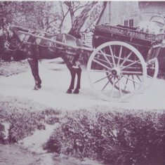 Savage and Parsons cart in Frogmore, 1920s