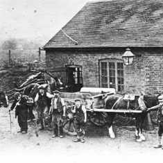 The smithy at Frogmore Lane, Jim Hobbs in centre