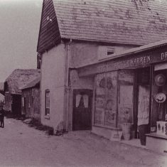 Arthur Warren ran a haberdashers and general store at what is now the Tudor House during the first half of the 20th century